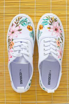 Hand painted Women Floral Canvas Shoes, white sneakers with flowers: Spring Time - diy shoes - Shoes White Canvas Shoes, Painted Canvas Shoes, Painted Clothes, White Shoes, White Sneakers, Custom Painted Shoes, Painted Vans, Hand Painted Shoes, Custom Shoes