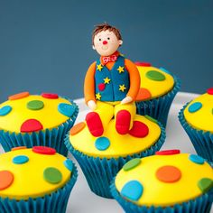We've granted lots of wishes for children who want to meet Mr Tumble. Love these cupcakes inspired by him! Clown Cupcakes, Kid Cupcakes, Wedding Cupcakes, 2 Birthday Cake, 2nd Birthday Parties, Birthday Ideas, Childrens Cupcakes, Mr Tumble, Cake Works