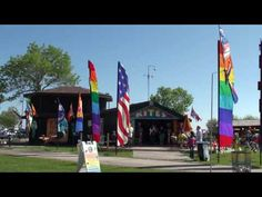 The Gift of Wings Kite Store in Veterans Park, Milwaukee, WI - YouTube
