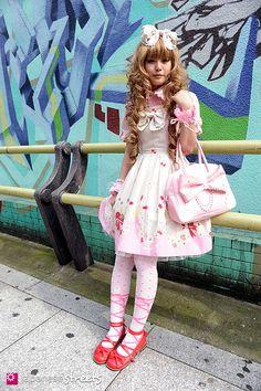 Lolita Girl: Japanese Lolita Doll Girl in Japan