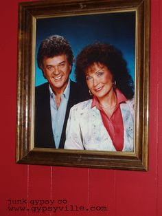 COUNTRY GLAM. conway twitty & LoRETTA LyNN portrait at the LoRETTA truckstop...on our roadtrip from TeXAS to TENNESSEE with country living on MiRANDA LAmBERTS bus