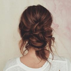 Boho bride,  messy bun #MessyHairstyles