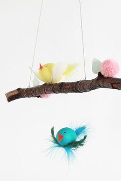 Pájaros hechos con huevos pintados. Manualidades para niños. Nueva sección Mucho divertido¡ de @delidlux para el blog Con botas de agua
