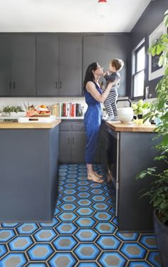 Concrete floors that has been stained, colored, painted. (pictured is Kismet Tile: Moroccan-made cement tile crafted with bold modern motifs) Kitchen Interior, Kitchen Design, Design Bathroom, Deco Cool, Tile Crafts, Flooring Options, Kitchen Flooring, Kitchen Tile, Funky Kitchen