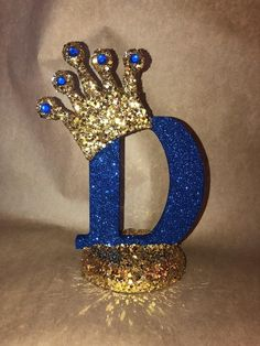Graduation Party Decor Discover top to bottom Sparkle letters with crown. Royal themed decoration for party decorations baby showers princess and prince Royalty Baby Shower Theme, Boy Baby Shower Themes, Baby Boy Shower, Royalty Theme Party, Crown Centerpiece, Party Centerpieces, Prince Birthday Party, 1st Birthday Parties, Festa Mickey Baby