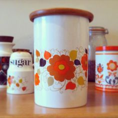 Newest acquisition! 'Blank' kitchen jar! I love a bit or floral retro homewares...