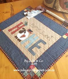 Zulu and Co : Homeveja HSH voir tuto Wool Applique, Applique Patterns, Applique Quilts, Quilt Patterns, Zulu, Mini Quilts, Small Quilts, Colchas Country, Country Quilts