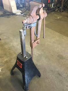 Electric Welding, Gas And Electric, Metal Working Tools, Old Tools, Vise Stand, Tool Pegboard, Iron Men, Blacksmith Tools, Iron Plant