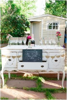 17 Engagement Party Ideas More Fun Than Your Wedding | Drink bar ...