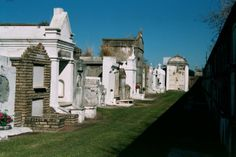 new orleans | ... Portfolio :: New Orleans Cemetery and Crypts :: New_orleans_cemetery_2