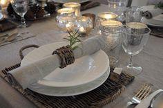 Franciskas Vakre Verden: Ett julebord - tre stiler Centerpieces, Table Decorations, Winter Christmas, Neutral, Table Settings, Entertaining, Furniture, Tables, Home Decor
