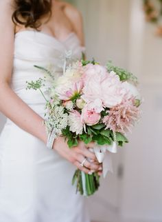 Blush bouquet by NLC Productions, Photo by Megan Sorel and Event Design and Planning by Magnolia Event Design