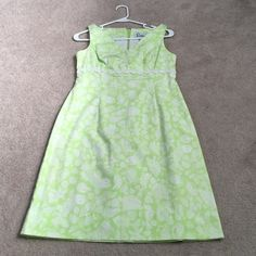 Lilly Pulitzer dress sz 2 Lilly Pulitzer dress sz 2 like new with no stains Lilly Pulitzer Dresses