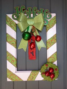 Check out these awesome last minute DIY Christmas decorations on a budget that will brighten your home over the festive season. Picture frame wreaths are really cheap and easy holiday decor ideas that you can use for your indoor or outdoor decorations. Christmas Picture Frames, Christmas Frames, Christmas Pictures, Christmas Projects, Holiday Crafts, Christmas Holidays, Christmas Wreaths, Christmas Gifts, Christmas Ornaments