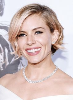 New Hair Color Rose Gold Sienna Miller Ideas Short Hair Updo, Short Hair Cuts, Curly Hair Styles, Hair Cut Styles, Long Hair, Sienna Miller Short Hair, Sienna Miller Makeup, Pretty Hairstyles, Wedding Hairstyles