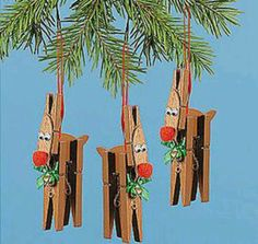 Rudolph the Red Nosed Reindeer: 5 Craft-Wrecks Using Clothespins Homemade Christmas Decorations, Holiday Crafts For Kids, Christmas Crafts For Kids, Xmas Crafts, Christmas Projects, Nordic Christmas, Modern Christmas, Xmas Decorations, Reindeer Craft