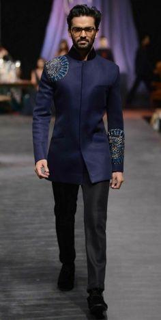 16 new ideas fashion street male dresses Sherwani Groom, Mens Sherwani, Wedding Sherwani, Wedding Dress Men, Indian Wedding Outfits, African Wear, African Suits, Indian Groom Wear, Mens Kurta Designs