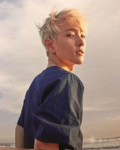 Blonde Donghyuk is a real deal Kim Jinhwan, Chanwoo Ikon, K Pop, Bobby, Ikon Member, Ikon Debut, Ikon Wallpaper, Dancing King, Kim Dong