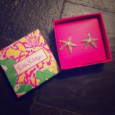 Lilly Pulitzer Earrings  Brand new never worn! Still have the gift receipt. Gold starfish earrings. Lilly Pulitzer Jewelry Earrings