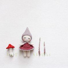 Kleines Mädchen im Wald  Little girl in the woods  Ormanda küçük bir kız  - Pattern  Little Lottie by @kornflake_stew  yarn  Schachenmayr Catania  hook size  250mm - by kikalite