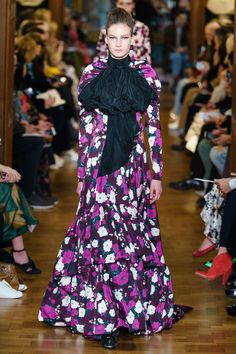 Erdem Fall 2019 Ready-to-Wear Collection - Vogue Fashion Runway Show, Fashion Show Collection, Fashion Week, Vogue Fashion, Fashion Trends, Vogue Paris, Floral Fashion, Fashion Design, Exclusive Clothing