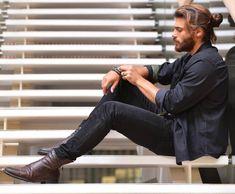 Erkenci Kus (2018-) Turkish Men, Turkish Beauty, Turkish Actors, How To Look Handsome, Handsome Boys, Portrait Photography Men, Beard Lover, Cute Celebrities, Celebs