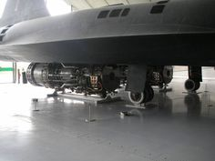 Fascinating photos reveal how they built the SR-71 Blackbird   The J-58 engines