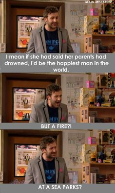 A fire? At a sea parks? Hahahah IT Crowd is the best show ever British Sitcoms, British Comedy, Tv Funny, Hilarious, Funny Memes, The Mighty Boosh, It Crowd, British Humor, Pop Culture References