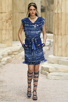 Chanel | Cruise 2018 | Look 30