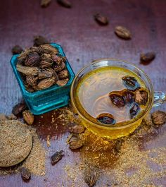 7 Benefits Of Cardamom Tea That Will Make You Love It Even More!, Tea holds a special place in many of our hearts. Some like it with sugar, and some want it black. Some of us add basil (tulsi) leaves,, Cardamom Benefits, Tea Benefits, Health Benefits, How To Make Tea, Food To Make, Cardamom Tea Recipe, Basil Tea, Turmeric Tea, Cardamom Powder