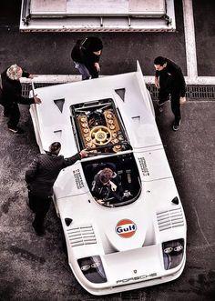Gulf Porsche 908 Derek Bell & Jo Siffert