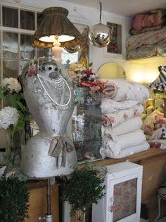 Suzy's Vintage Attic: Favourite shops in Bath - Susannah Decorative Antiques and Textiles