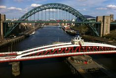 Gateshead's Urban Container Garden by Diarmuid Gavin - VIDEO