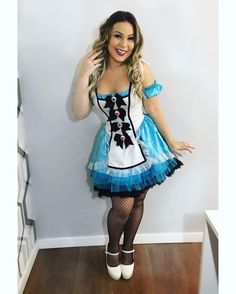 Sexy Halloween Costumes, Halloween Looks, Girl Costumes, Costumes For Women, Cosplay Costumes, Princess Running Costume, Disney Princess Costumes, Running Costumes, Alice In Wonderland Outfit