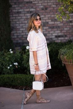 This striped white dress is casual and classy and perfect for summer fashion or spring style. The dress can be worn casually or dressed up for a night out. Check out the post to see where to shop and how to style the dress. New Fashion, Trendy Fashion, Dress Fashion, Fashion Outfits, Mom Outfits, Spring Outfits, Casual Outfits, Casual Dresses, Mom Style