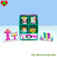 Shopkins Playsets Besides the and there are various playsets that you can get, all with exclusive Shopkins you can only get in the playsets: EASY SQUEEZY FRUIT & VEG STAND. Shopkins List, Shopkins Season 3, Plastic Canvas Tissue Boxes, Plastic Canvas Patterns, Barbie Toys, Doll Toys, Shopkins Fashion Spree, Shopkins Playsets, Shopkins Happy Places