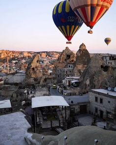 Travel Photography Discover Cappadocia Turkey - Hot Air Balloon Ride Discover on of the best activities you should not skip in Cappadocia turkey Beautiful Places To Travel, Cool Places To Visit, Places To Go, Turkey Tourism, Turkey Travel, Vacation Places, Best Vacations, Capadocia, Cappadocia Turkey