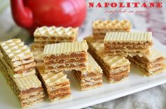 foi de napolitane umplute cu nuca Romanian Food, Marshmallows, Waffles, Sweets, Bread, Breakfast, Desserts, Recipes, Cakes