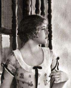 Silent film star Vilma Banky, 1920s. I've always loved saying her name aloud.