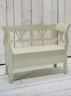 hungarian small storage settle bench from garden trading