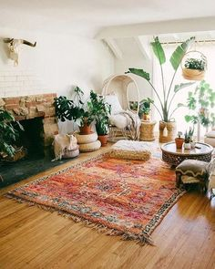 Romantic Rustic Bohemian Living Room Design Ideas - Creating a shabby chic bohemian home is styling interiors with eclectic and vintage designs, using rustic wood furniture, architectural elements from . Boho Living Room, Living Room Decor, Bedroom Decor, Decor Room, Design Bedroom, Bedroom Ideas, Bedroom Rugs, Wall Decor, Bedroom Images