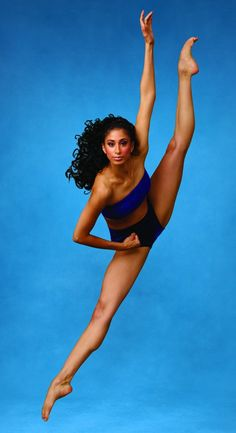 Alvin_Ailey_American_Dance_Theater_s_Alicia_Graf_Mack._Photo_by_Andrew_Eccles