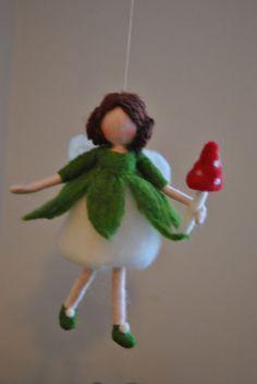 Nadel gefilzt Pilz Fairy Ornament Wolle Puppe: Fee mit roten