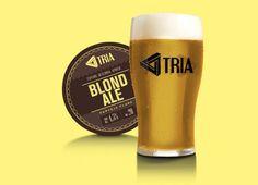 Cerveja TRIA Blond Ale, estilo Blond Ale, produzida por Cervejaria Tria, Brasil. 4.5% ABV de álcool.