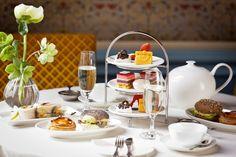 Combineer je bezoek aan Tassenmuseum Hendrikje in Amsterdam met een uitgebreide high tea, met allerlei luxe hartige en zoete lekkernijen.
