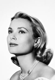 Her Serene Highness Princess Grace of Monaco, 1956.  Photographed by Yousuf Karsh e