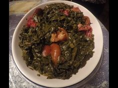 How to make old fashioned fried collard greens Vegetable Side Dishes, Vegetable Recipes, Vegetarian Recipes, Vegetarian Barbecue, Vegetarian Cooking, Fried Collard Greens Recipe, Bean Recipes, Side Dish Recipes, Easy Cooking
