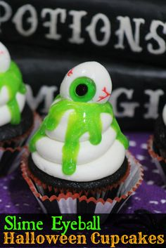 These fun Slime Eyeball Halloween Cupcakes are really easy to make and make the perfect Halloween Party treat. Or even great Halloween Table Decor!