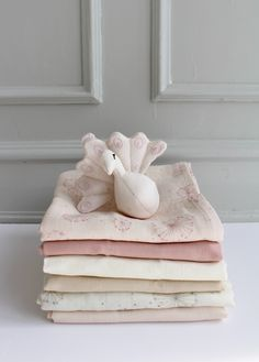 The GOTS-certified baby muslins in many colours from Cam Cam Copenhagen are a total bestseller. Fashion Kids, Shops, Organic Cotton, Bb, Colours, Dolls, Pretty, Shopping, Dress