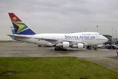 South African Airways (SAA) is South Africa's national flag carrier airline and most awarded air carrier in Africa. Find out more about this SA airline and book your SAA flights here. Boeing Aircraft, Passenger Aircraft, Airline Flights, Commercial Aircraft, Bus, History Photos, National Flag, Military Aircraft, Cool Toys